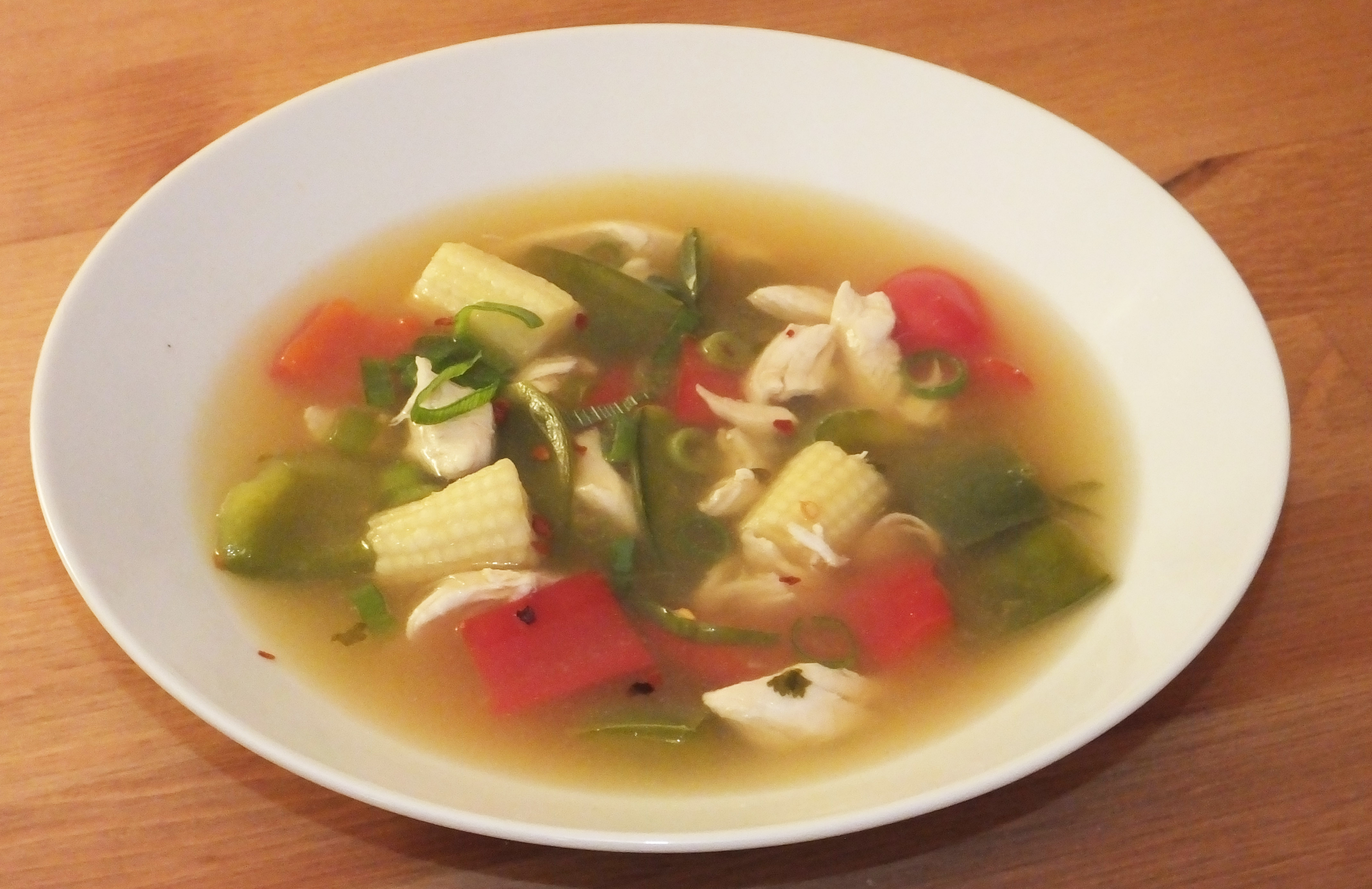 Asian style chicken and vegetable broth - Pikalily food blog