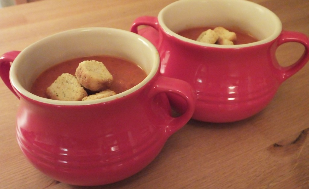 Tomato and Red Pepper Soup Recipe - Pikalily food blog