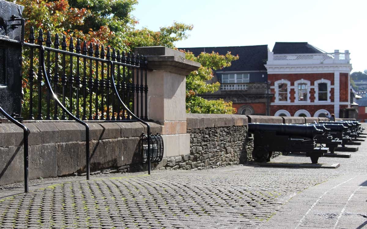 Derry walls cannons - Pikalily Travel blog