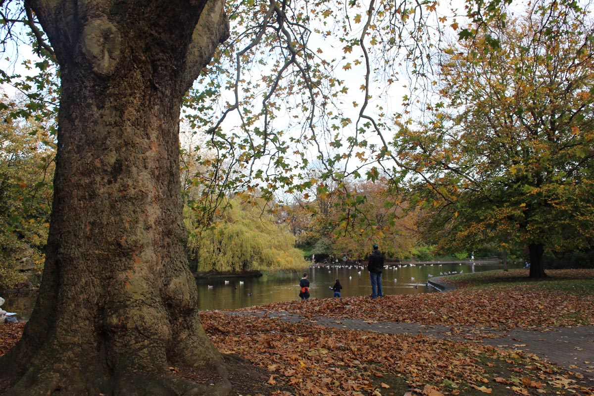 St Stephens Green Dublin Autumn - Pikalily Food Travel Blog
