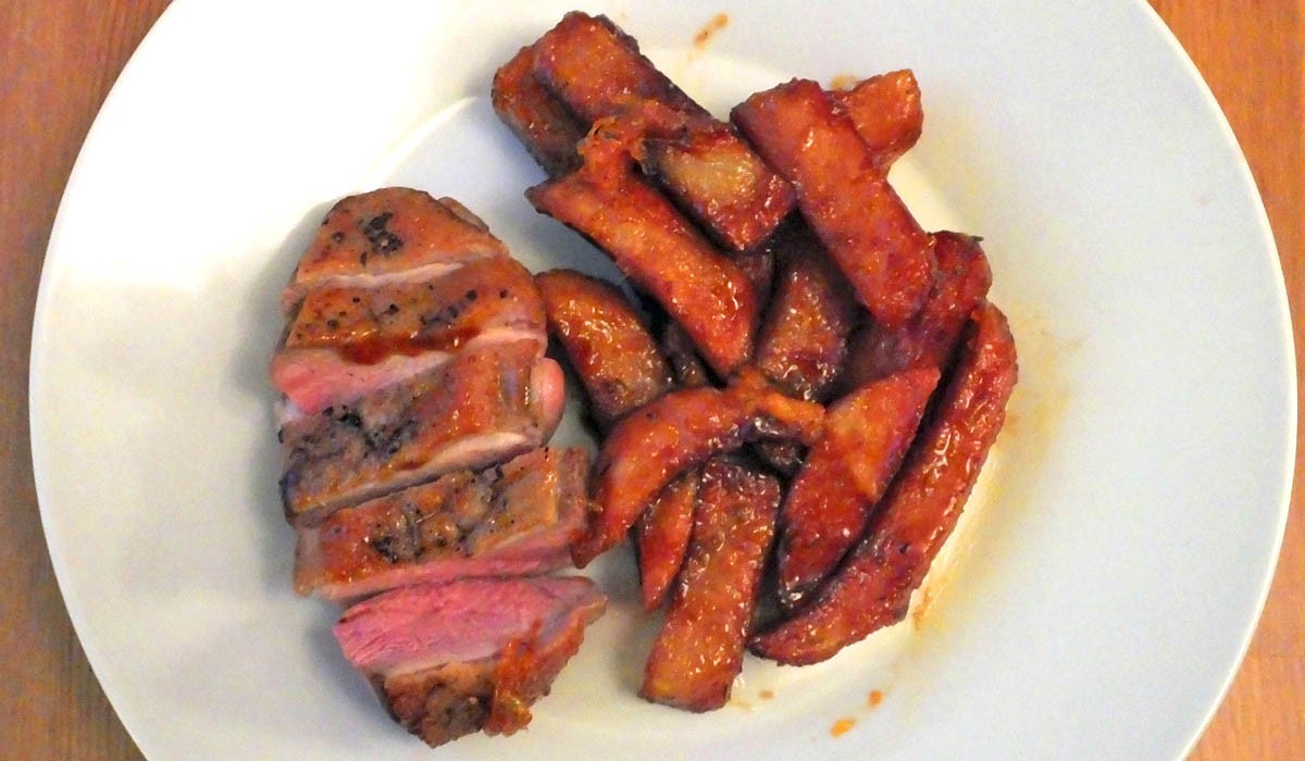 Duck a l'orange with honey glazed chips