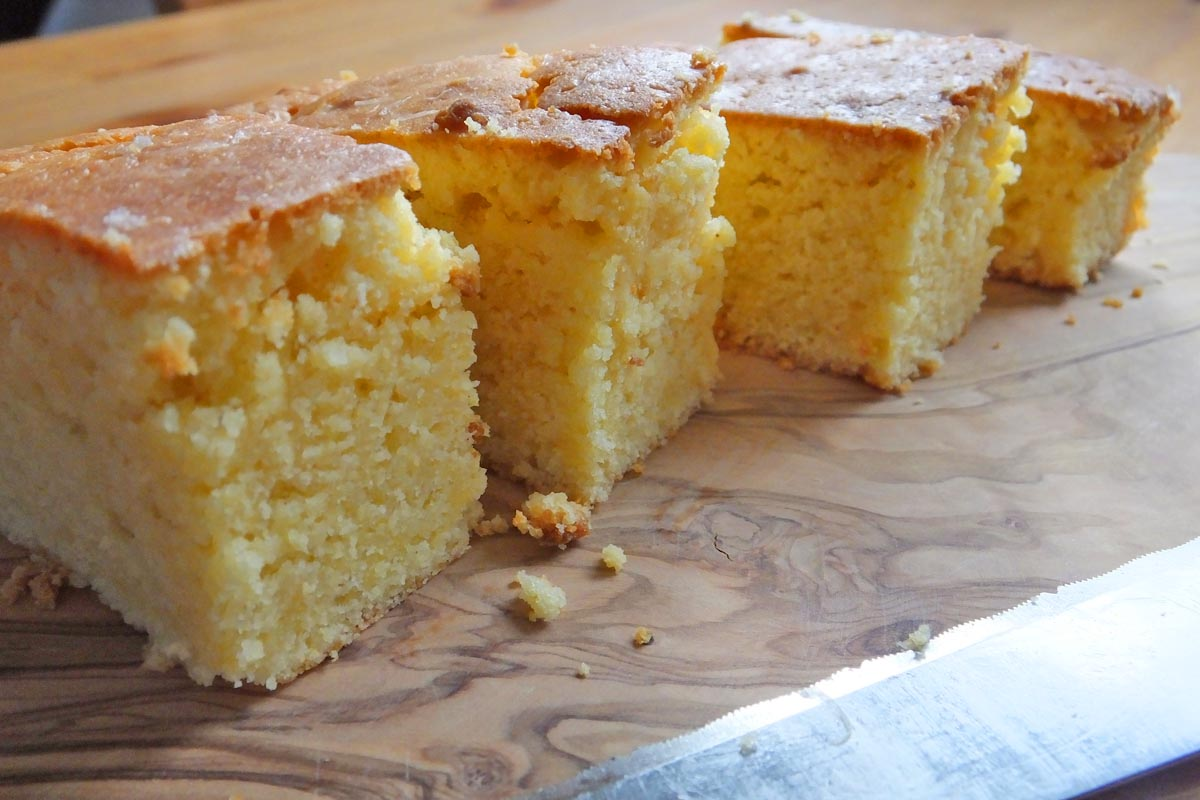 Slice lime drizzle cake - Pikalily food blog