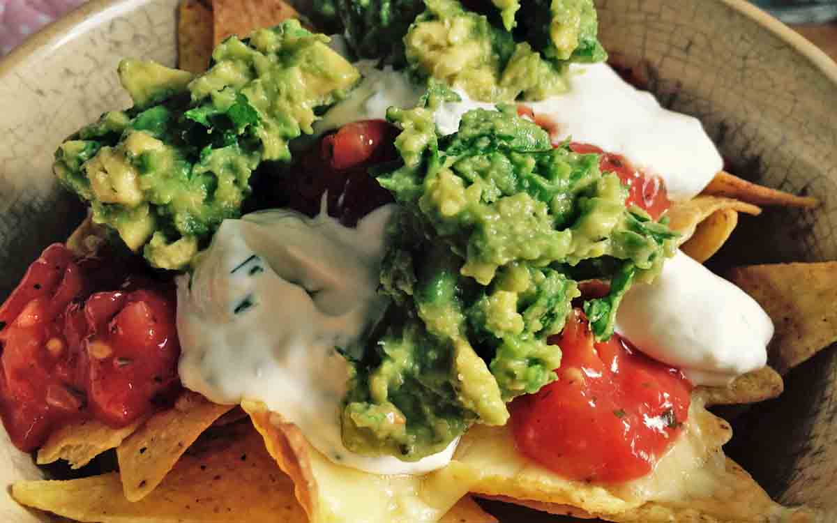 Guacamole and nacho recipe - Pikalily Food Blog