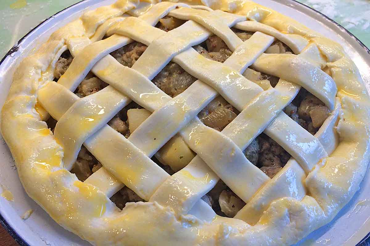 Sausage lattice pie - Pikalily food blog