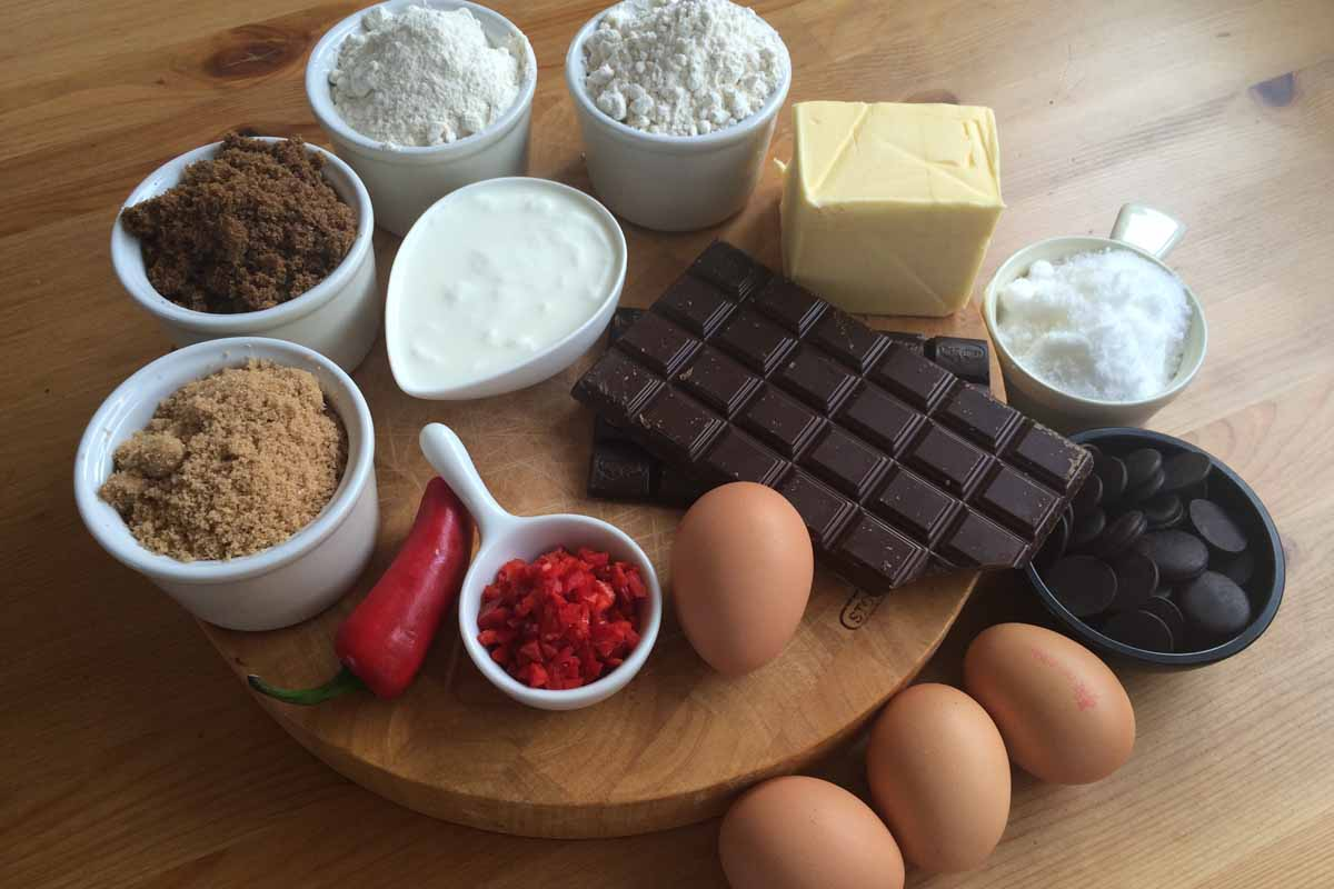 Chilli chocolate cake ingredients - Pikalily food blog