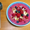 Mixed berry smoothie bowl recipe - Pikalily food blog