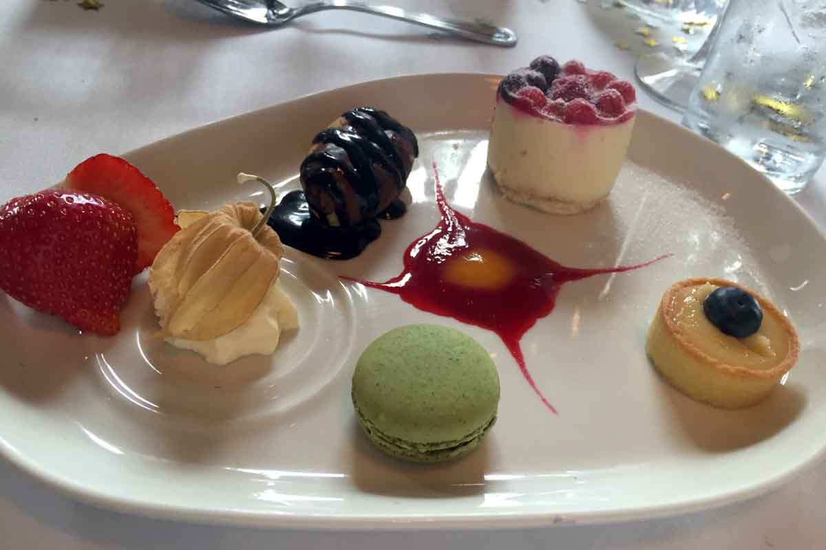 Hugh McCanns Dessert - Pikalily Food Travel Blog