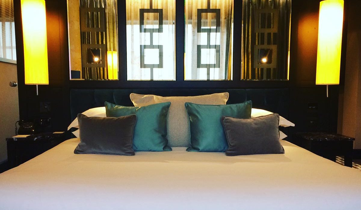 Glamour and a Musical – Our Stay in The 5 Star Fitzwilliam Hotel, Belfast